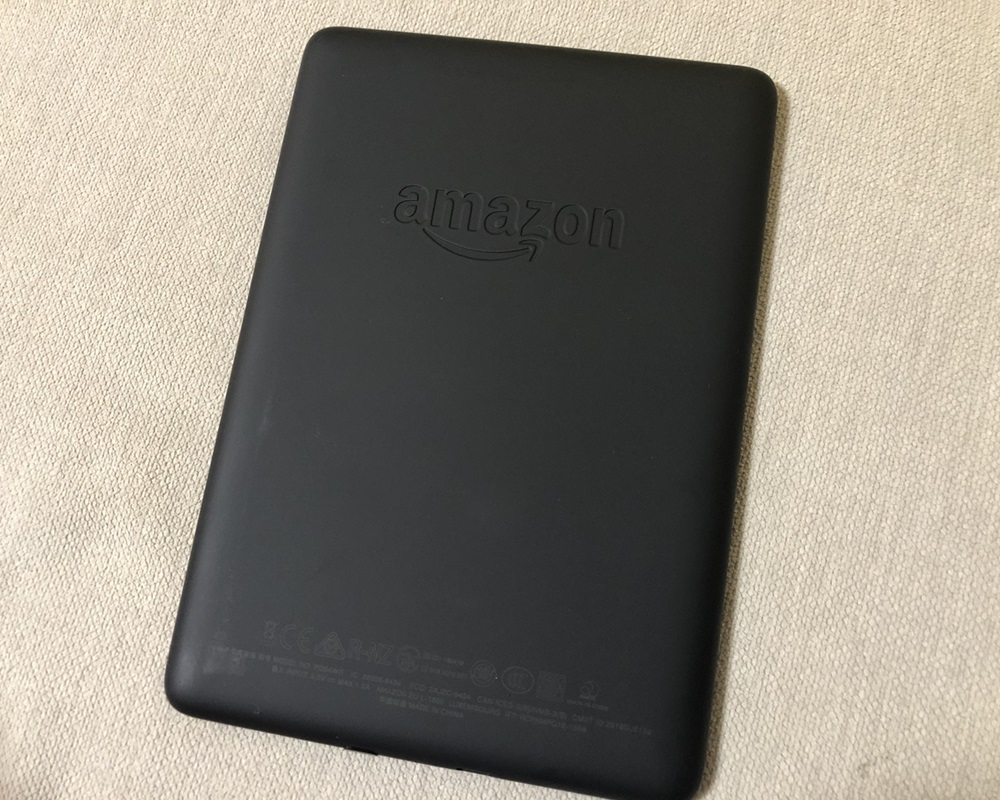 Kindle Paperwhiteの背面